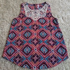 Cute Xhilaration top with embroidery.